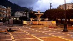 58127_la_piazza_gioiosa_ionica.jpg