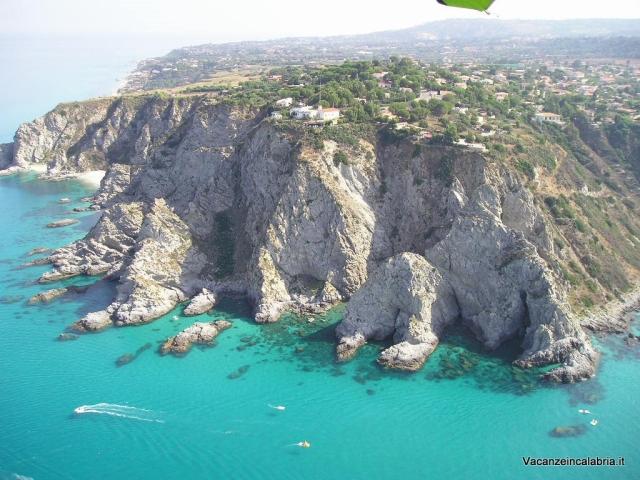 Il-promontorio-di-Capo-Vaticano-in-Calabria